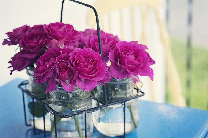 Cắm hoa trong chai lọ cũ