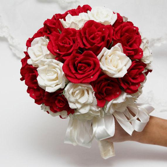 Làm hoa hồng từ giấy nhún