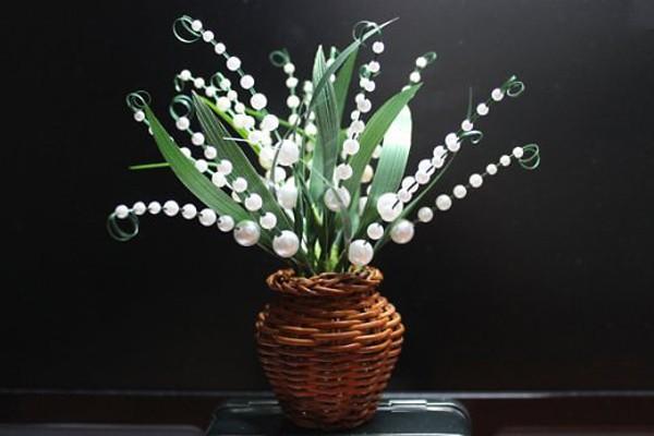 Xâu hoa linh lan từ hạt cườm