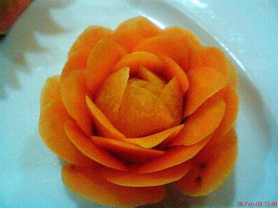 Tỉa hoa hồng từ carot