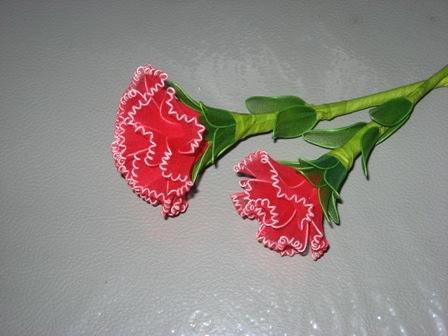 Cách làm hoa cẩm chướng bằng vải voan (bước 6)