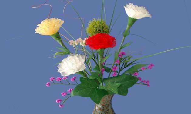 Lọ hoa cẩm chướng bằng vải voan