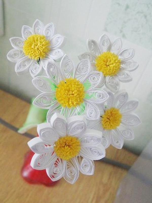 Làm hoa cúc từ giấy cuộn (bước 7)