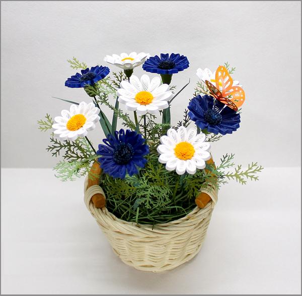 Làm hoa cúc từ giấy cuộn