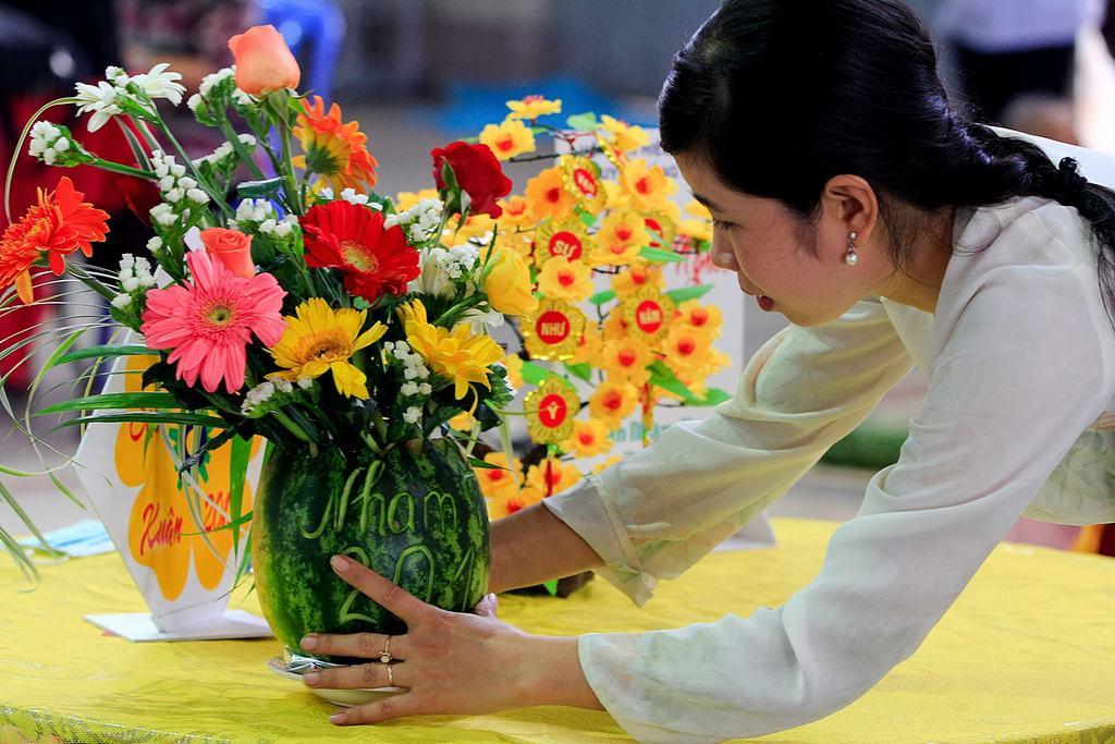 Cắm hoa đẹp cho ngày tết tươi vui