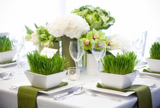 Dấm trắng có tác dụng lớn giúp hoa lâu tàn