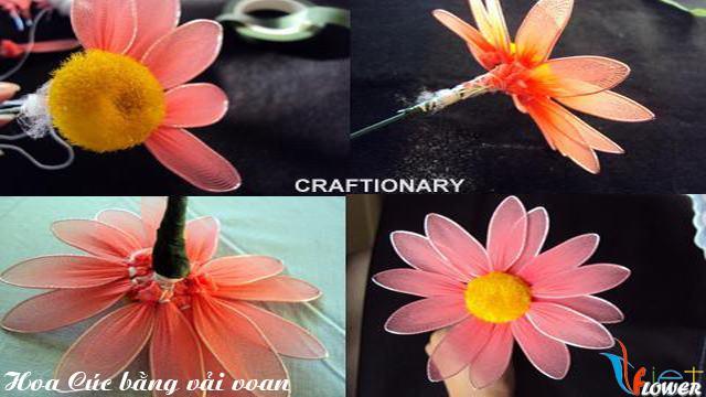 Làm hoa cúc nhiều màu bằng vải voan - bước 3