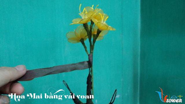 Làm hoa mai bằng vải voan - bước 11