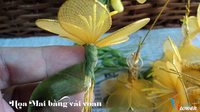 Làm hoa mai bằng vải voan - bước 8