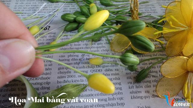 Làm hoa mai bằng vải voan - bước 9