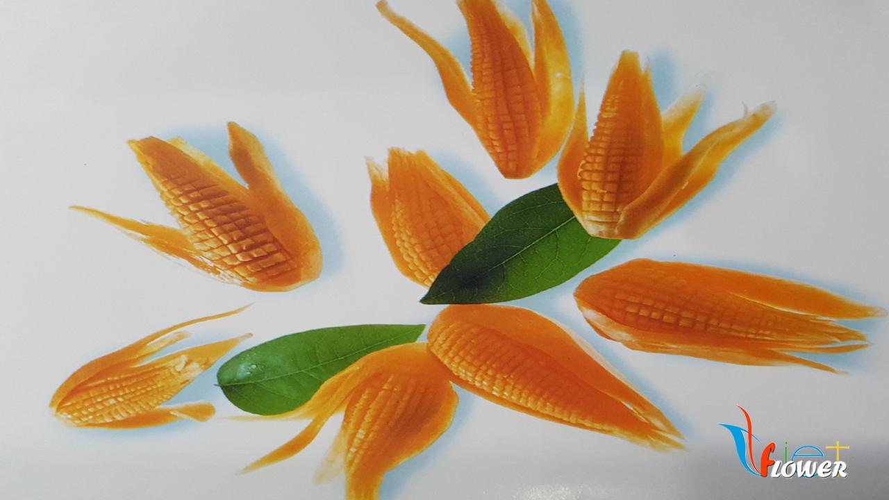 Tỉa bắp ngô từ cà rốt